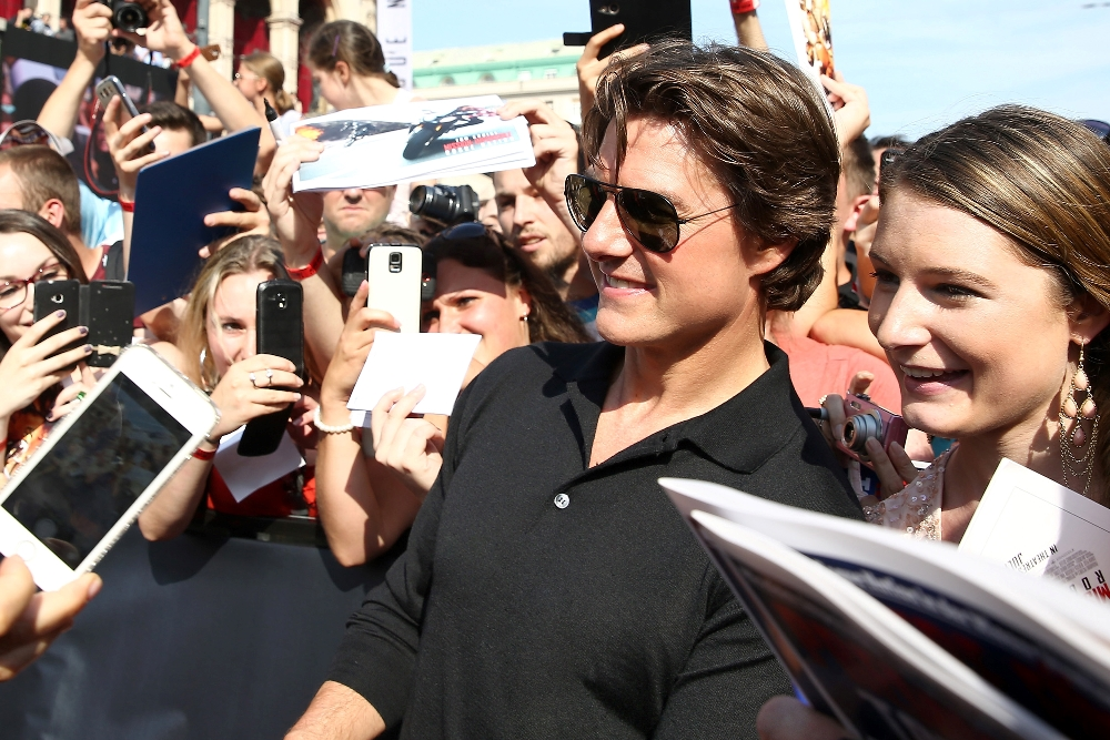 Tom Cruise Warms Up To Fans At Mission Impossible: Rogue